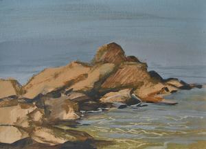 Каменная полоса в море